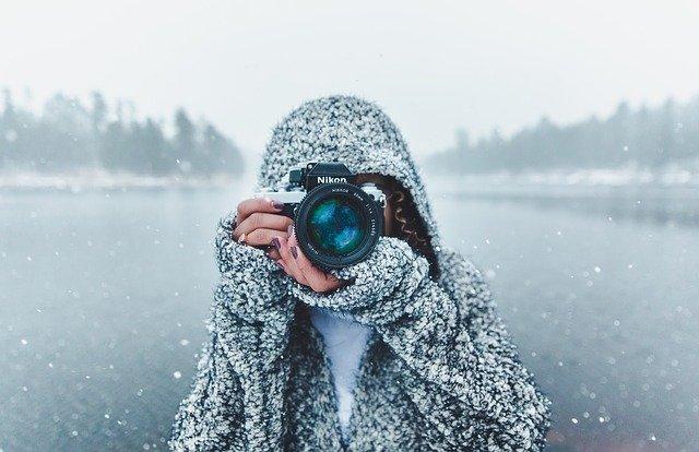 idée cadeau photo, personne qui photographie